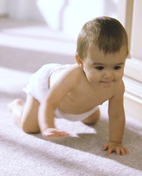 вчимо малюка повзати