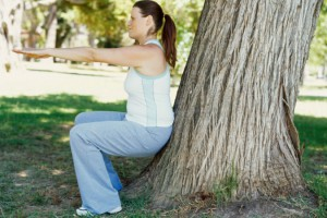 Присідання покращує кровообіг в області тазу, зміцнює м'язи стегон, підвищує гнучкість суглобів