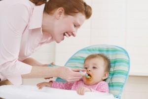 Першим прикормом малюка служить овочеве пюре