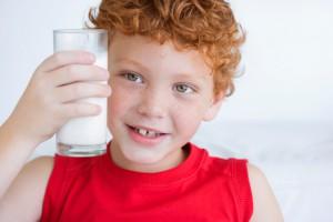 Козяче молоко містить ряд цінних поживних речовин, вітаміни А і В