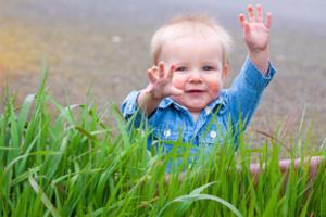 Від року до трьох малюк поступово, крок за кроком, досліджує свої здібності