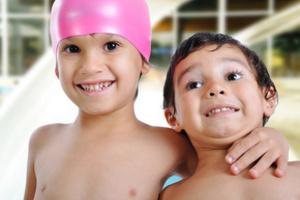 У Львові можнабезкоштовно навчити плавати дітей