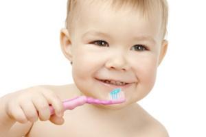 вчимо дитину чистити зуби