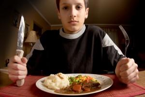 Зазвичай страви з картоплі діти вважають за краще їсти з овочами