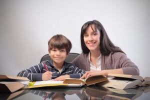 як правильно вибрати письмовий стіл для дитини
