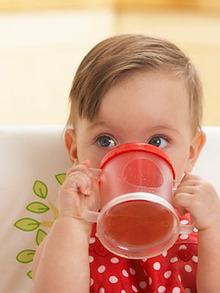 Що можна дати дитині пити восени