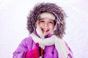Якщо дитина їсть бурульки, можливо, вона занадто тепло одягнена і прагне охолодитися