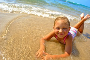 Багато батьків в червні намагаються відправити свою дитину на море