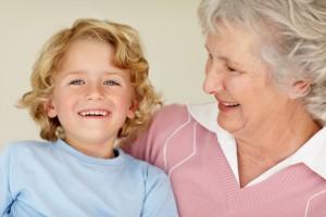 Не забороняй бабусі спілкуватися з онуком