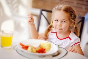 Пряме сонячне проміння шкідливе для дітей