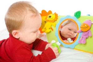 Іграшки для розвитку дитини від 7 до 12 місяців