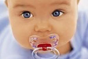 Для чого пустушка малюкові