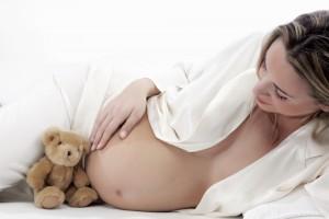 Як повідомити близьким про вагітність