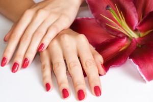 Покриття нігтів шелаком