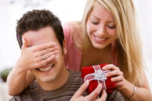 Що подарувати коханому на День Валентина