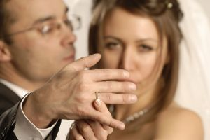чому чоловік не поспішає одружуватися