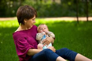 Що взяти з собою на прогулянку із немовлям?